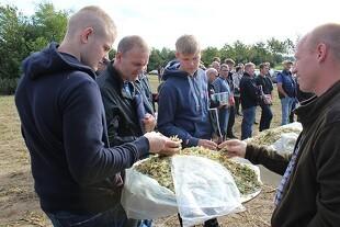 100 landmænd så på grovfoder