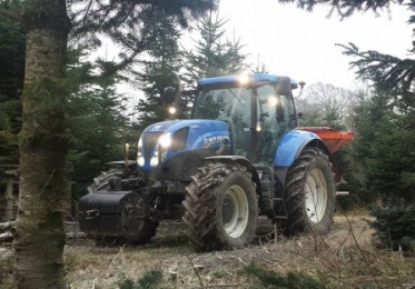 New Holland'en i skoven