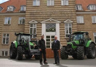 Gråsten Landbrugsskole får to nye traktorer