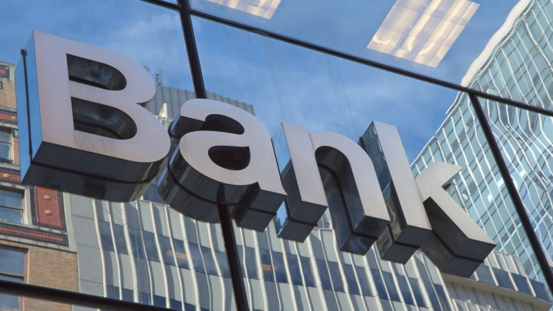 Giv bankerne fred til at konkurrere