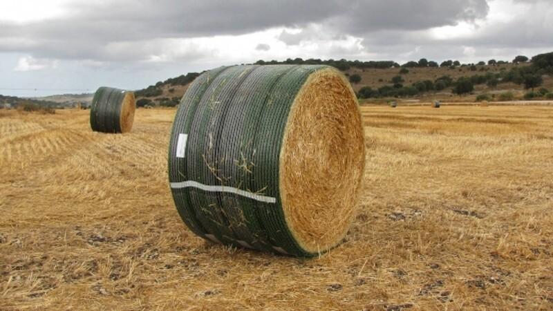 Rundballer beskyttet mod vind og vejr