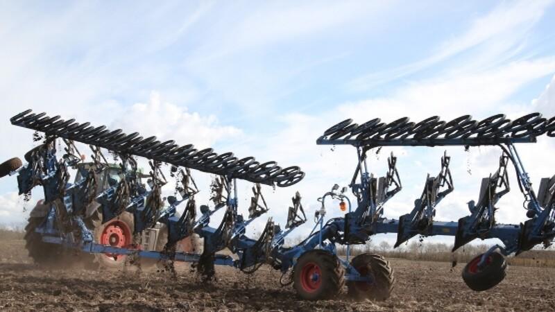 Jordbearbejdning er som en bulldozer i et boligområde