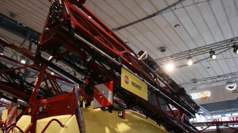 Hardi folder tre gange på 30 meter