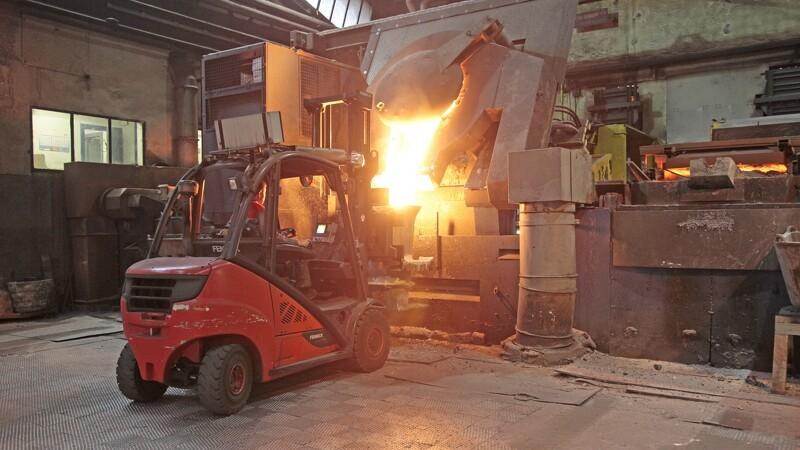 Kvalitetskontrollen starter med det flydende stål
