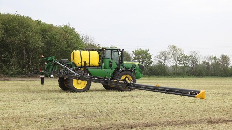 John Deere køber spansk kulfiber-producent