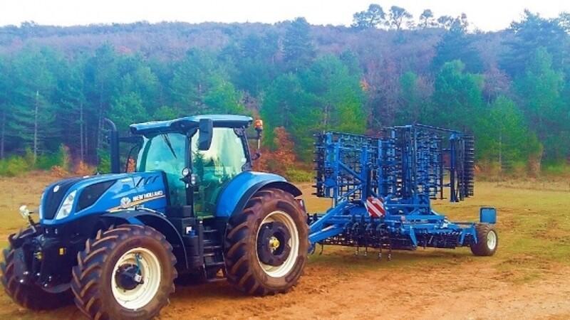 New Holland præsenterer redskaber på Agromek