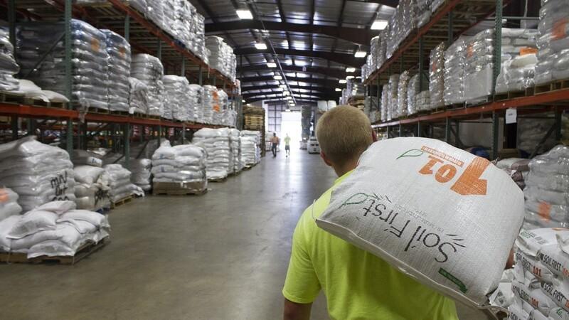 DLF køber amerikansk frøfirma