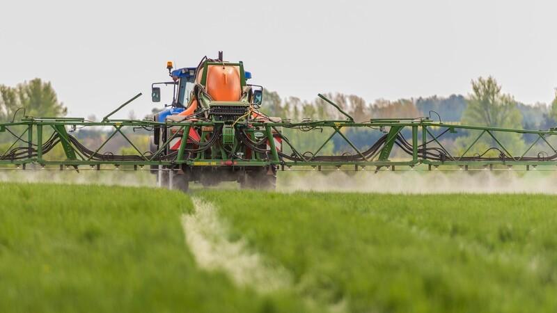 Skanderborg klar til at forbyde landmænd at sprøjte