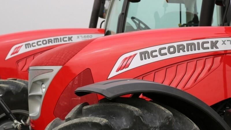 Helms er i forhandling om traktorimport