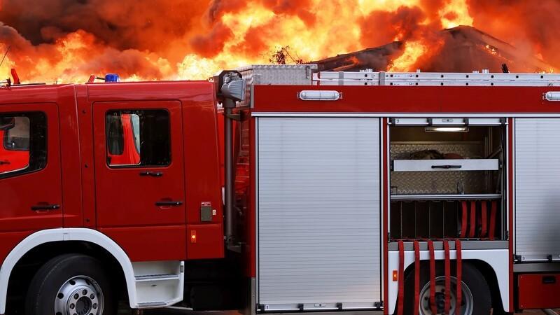 Brand i halm to steder i det sønderjyske