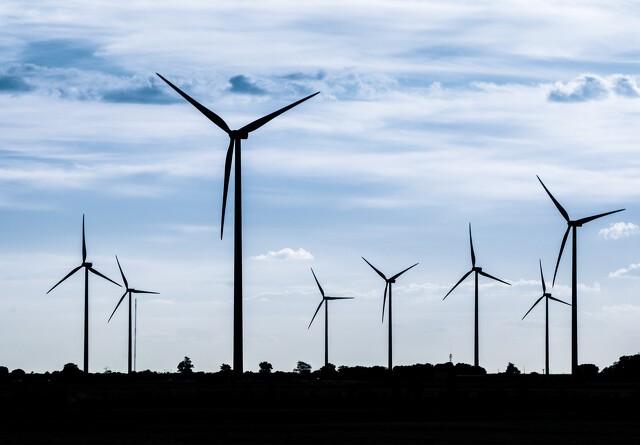 Tidligere miljøminister vil ændre vindmøllebekendtgørelse