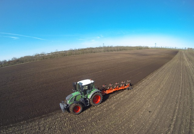 Højt specificeret og kompakt traktor