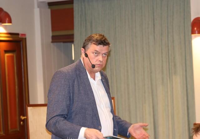 Fødevareminister inviterer minkbranchen til møde om fremtidig strategi