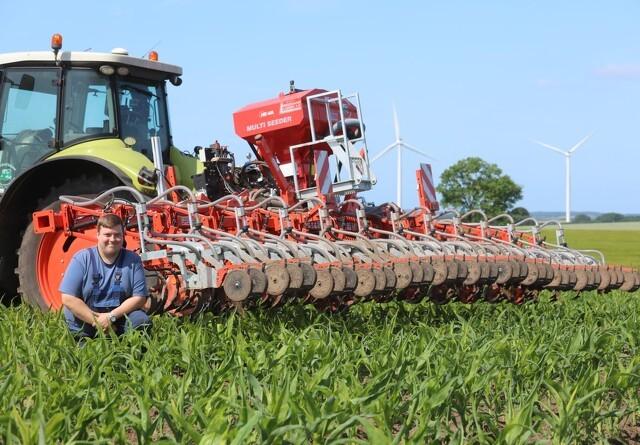 Kraftig majsrenser med gennemført så-aggregat
