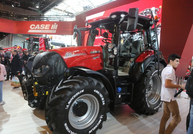 Kompakt traktor med højt udstyrsniveau