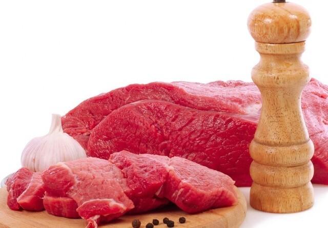 Alternativet: Prisen på oksekød skal hæves med 17 kroner