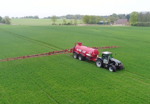 Suppler gødningsplan med miljøvenlig kaligødning.