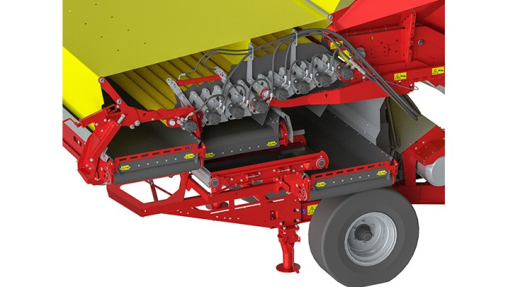 GRIMME_Conveyor to merge soil cleaning - in operating postition_930